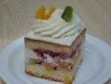Felie de tort cu fructe